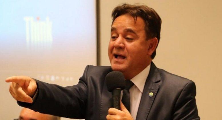 Adilson Barroso diz que a intenção de retirar processo é para não ser acusado de ter salvado Lula (Foto: PEN/Divulgação)