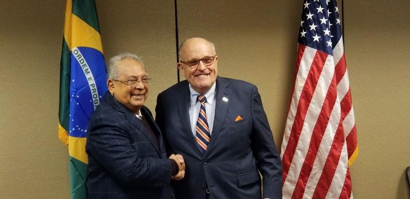Amazonino contrata ex-prefeito de Nova Iorque para ações de segurança em Manaus