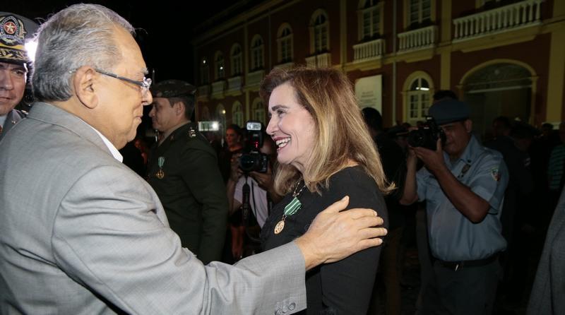 Presidente do TCE-AM recebe Medalha Tiradentes