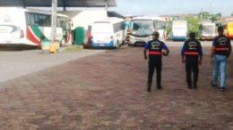 Fiscais da Arsam visitaram garagem da Aruanã e reprovação segurança em 11 ônibus de 15 que foram inspecionados (Foto: Arsam/Divulgação)