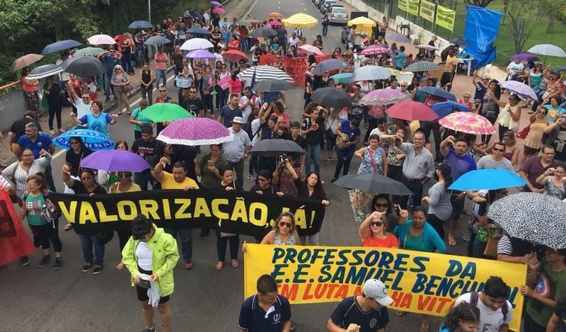 Professores ligados à Asprom recusam proposta de 14,57% e mantêm greve