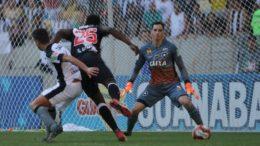 Vasco sofreu gol no final e perdeu decisão nos pênaltis para o Botafogo (Foto: Paulo Fernandes/Vasco)