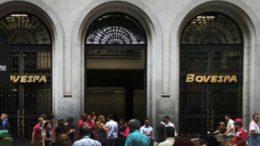 Ações negociadas na Bovespa começaram em alta nesta quinta-feira (Foto: Hugo Arce/Fotos Públicas)