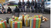 Avião transportou droga de Tabatinga e foi apreendido quando pouso em Carauari (Foto: PM-AM/Divulgação)