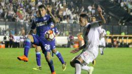 Vasco lutou para conseguir um empate com o Racing e segue em último lugar no grupo da Libertadores (Foto: Paulo Fernandes/Vasco)