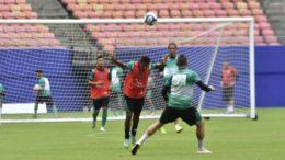 Jogadores do Manaus treinaram na Arena da Amazônia para jogo decisivo nesta quarta (Foto: Mauro Neto/Sejel)