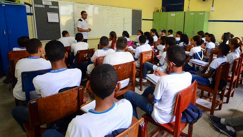 MEC homologa diretrizes que permitem 30% do ensino médio à distância