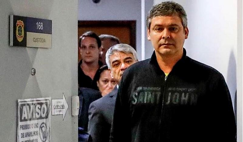 Após visita, senadores falam em preocupação com 'isolamento' de Lula