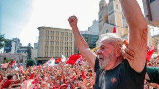 Se a eleição fosse hoje, Lula seria eleito na prisão, sem fazer campanha