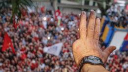 Lula mão Ricardo Stuckert