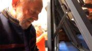 Lula-na-janela-do-apartamento-apos-ordem-de-prisao
