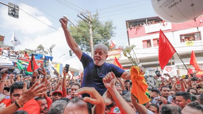 'Lula vende-se como um perseguido, o que nunca foi', reagem procuradores