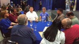 Helton Yomura (centro, de branco) participou de encontro com empresários da construção civil em Manaus (Foto: Sinduscon-AM/Divulgação)