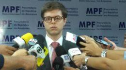 O procurador Thiago Corrêa disse que ex-secretários serão cobrados a devolver dinheiro, mas ainda estuda fazer o mesmo com os beneficiados por despesas ilegais de saúde (Foto: ATUAL)