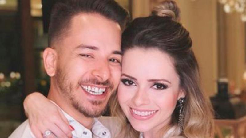 'Eu era chamado de viado e minha irmã era a virgem do Brasil', diz Junior Lima