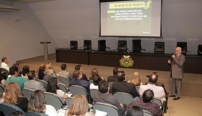Serafim Corrêa explicou impactos da lei sobre o ISS nos municípios (Foto: Divulgação)