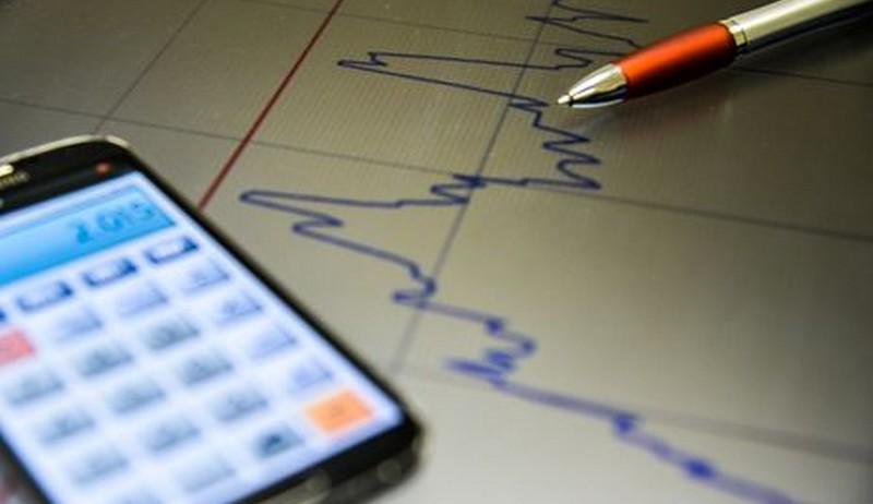 Assessores econômicos defendem menos burocracia e redução dos juros