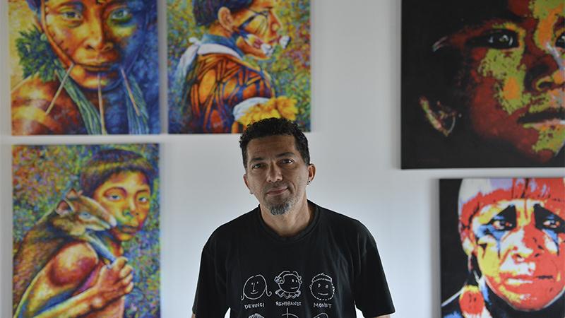 Exposição reúne obras de mais de 80 artistas na Usina Chaminé