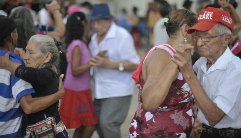 População com 60 anos no Brasil cresceu 18,8% em cinco anos