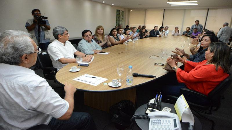 Governo do Amazonas promete 24,20% de reajuste para os servidores da saúde