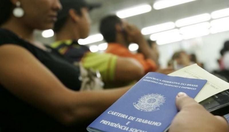 Maioria dos brasileiros diz que trabalha mais que há 10 anos, mostra pesquisa
