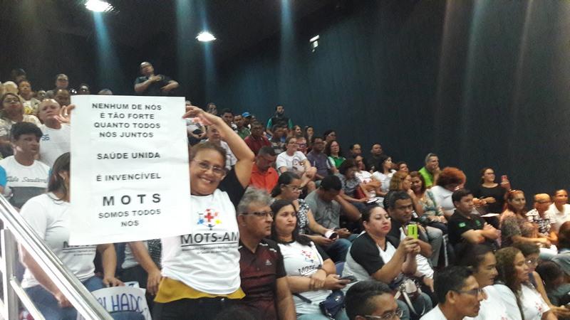 Servidores da saúde lotaram galeria da ALE para pressionar deputados a aprovarem reajuste (Foto: ATUAL)