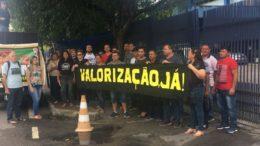 Professores fizeram manifestação nesta quinta-feira para cobrar reajuste salarial (Foto: ATUAL)