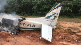 Avião era da Amazonaves, de prefixo PT-FLM. Não havia corpos nos destroços (Foto: Divulgação)
