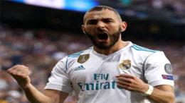 O francês Karim Benzema marcou os dois gols do Real Madrid no empate com o Bayer. Time espanhol busca o 13° título (Foto: Uefa/Divulgação)