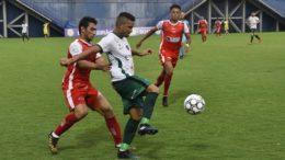 Manaus (de branco e verde) dominou o Baré e venceu fácil em Manaus, nesse domingo (Foto: Tácio Melo/Sejel)