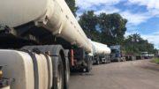 Paralisação de caminhoneiros em Manaus deve gerar desabastecimento de combustível e alimentos na capital (Foto: ATUAL)