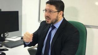 Com advogado como secretário, Wilson Lima quer maior controle da Susam