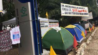 Com barracas e varal, concursados da Susam mantêm pressão por contratação