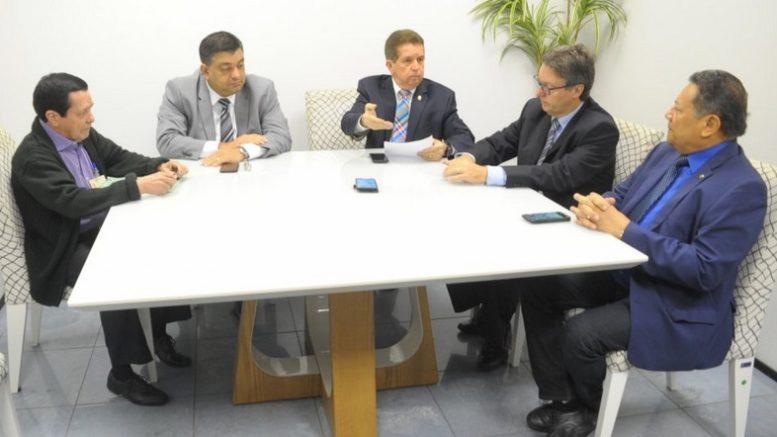 Deputados pedirão ao Governo do Amazonas que promova mais debates sobre Aeroclube de Manaus (Foto: Hudson Fonseca/ALE-AM)