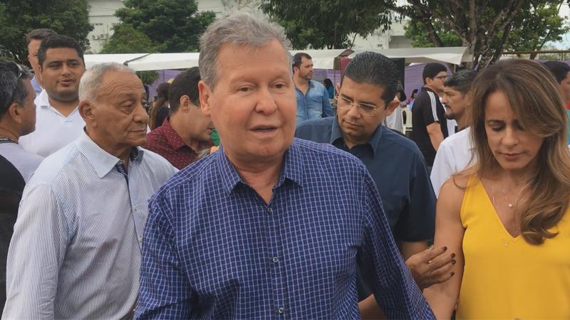 Prefeito Arthur sugere que MP-AM investigue 'Renda Certa' de Amazonino