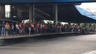 Sem acordo, rodoviários mantêm greve de ônibus em Manaus e Arthur dá 24 horas para encerrarem paralisação