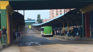 Juiz do Trabalho proíbe que rodoviários obstruam saída de ônibus das garagens
