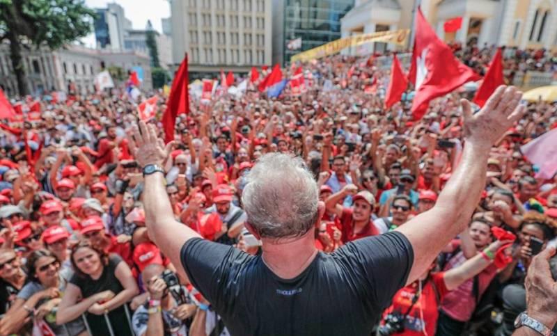 Chico da Silva vai cobrar PT por direitos autorais da sua música 'Vermelho'