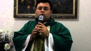 Padre é condenado a 33 anos de prisão em SC por estupro de vulnerável