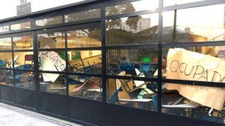 Estudantes ocupam prédios da PUC-SP pela contratação de professora negra