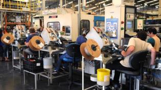 Após 6 meses de vigência, reforma trabalhista espera regulamentação
