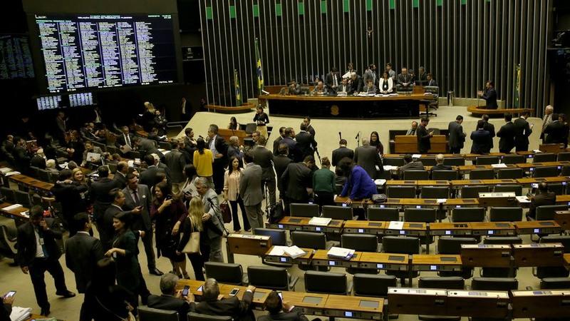 Projeto de reoneração da folha de pagamento e isenção do PIS/Cofins foi aprovado em regime de urgência no Congresso (Foto: Wilson Dias/ABr)