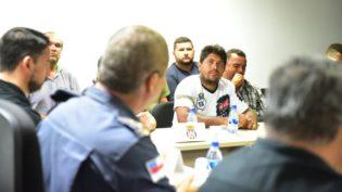 Caminhoneiros prometem abastecer serviços essenciais de segurança, saúde e transporte coletivo