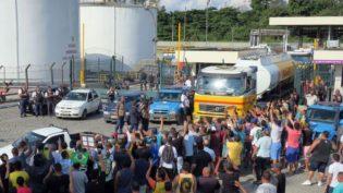 Temer sanciona reoneração e veta cobrança do PIS/Cofins sobre diesel