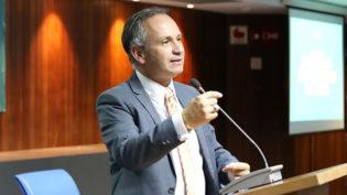 Governo confirma demissão do presidente do INSS após denúncia