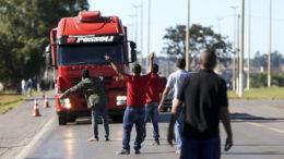Greve dos caminhoneiros colocou em alerta toda a classe política para a reforma tributária (Foto: Marcelo Camargo/Agência Brasil)