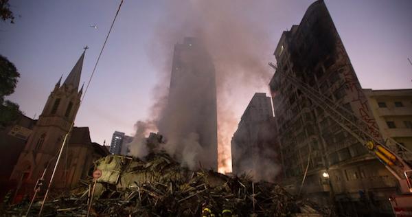 Homem morre tentando salvar mulheres e crianças do incêndio em prédio de São Paulo