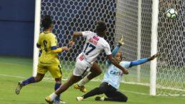 Time do 3B (de branco) venceu fácil adversário do Piauí em jogo na Arena da Amazônia (Foto: Mauro Neto/Sejel)