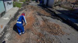 Repavimentação de ruas é o principal serviço do Plano de Obras de Verão nos bairros de Manaus (Foto: Alex Pazuello/Semcom)