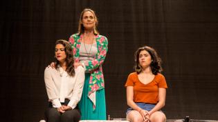 """Teatro Amazonas recebe peça """"Além do que os nossos olhos registram"""""""